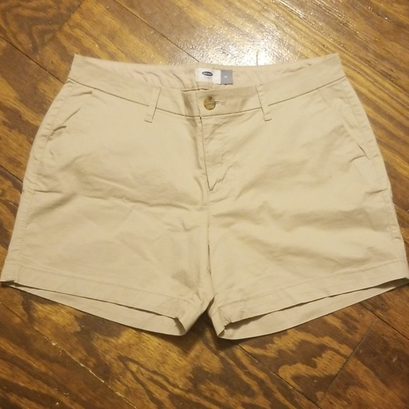 Old Navy Pants - Old Navy khaki shorts, sz 10